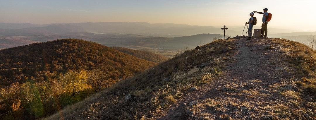 Naplemente a Márianosztra feletti Kopasz-hegyen