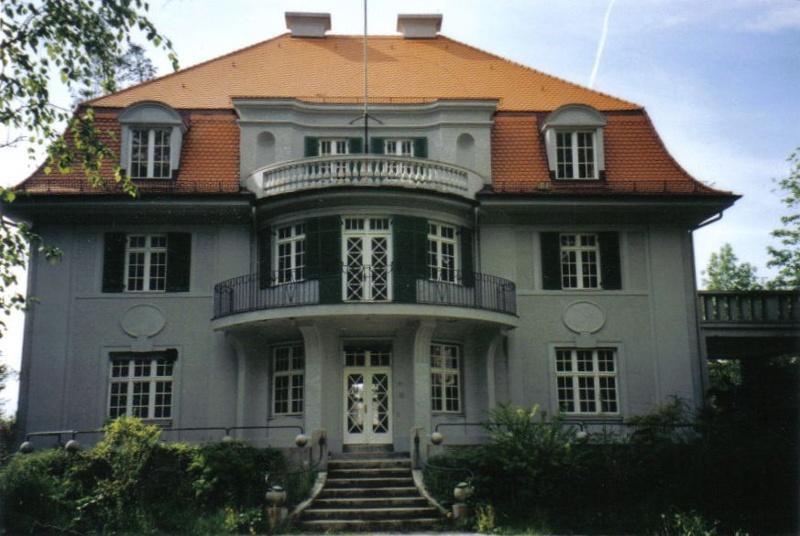 Nachbau der original Mann-Villa auf dem Bavaria-Filmgelände in München
