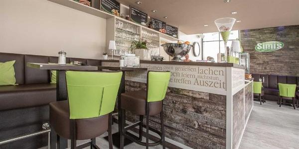 Simis Cafe & Snackbar 1