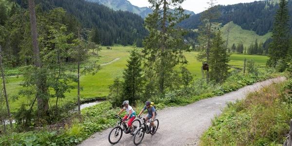 A mountain bike tour to the Alpe Melköde