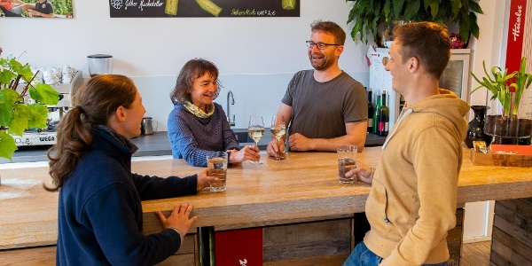 Weingut Heissler Team Tresen