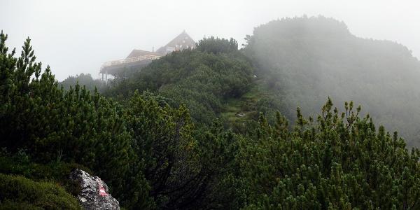 Wiechenthaler Hütte im Nebel