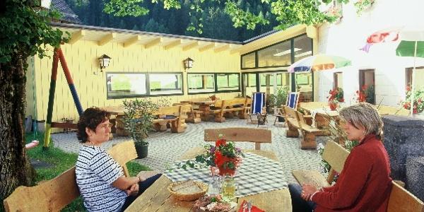 Gemütlicher Gastgarten vom Gasthaus Terklbauer