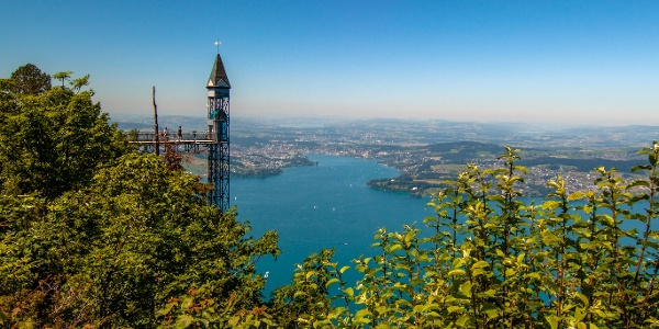 Aussicht auf dem Bürgenstock, Hammetschwand Lift im Hintergrund
