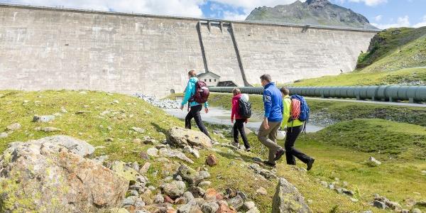 Zustieg zum Staumauer-Klettersteig Silvrettasee