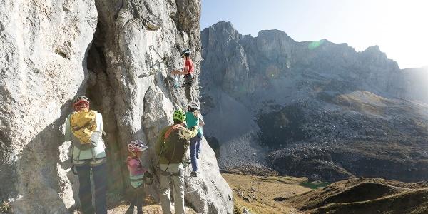 Einstieg Familien-Klettersteig Partnunblick