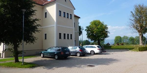 Parkplatz beim Gemeindeamt Miesenbach