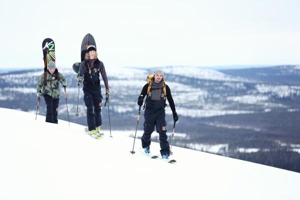 Wintertour mit Ski und Snowboard in Finnland