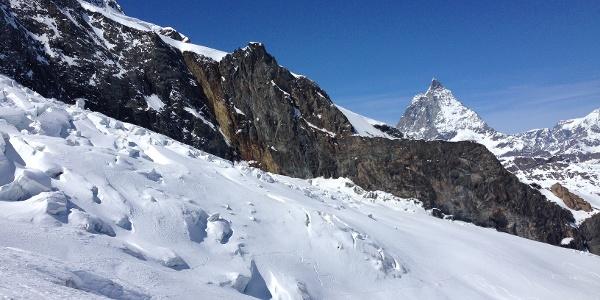 Abfahrt mit Blick auf das Matterhorn