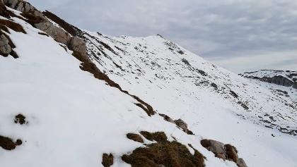 Rückblick von der Grubscharte Richtung dem Gipfel der Rofanspitze.