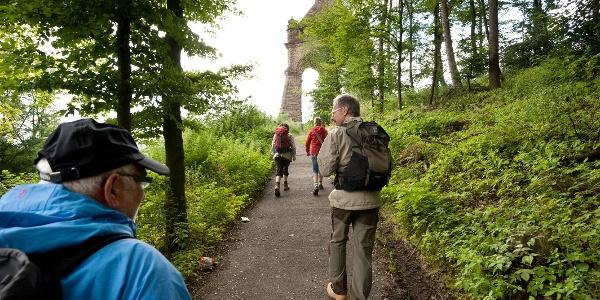 Wandern rundum das Kaiser Wilhelm Denkmal