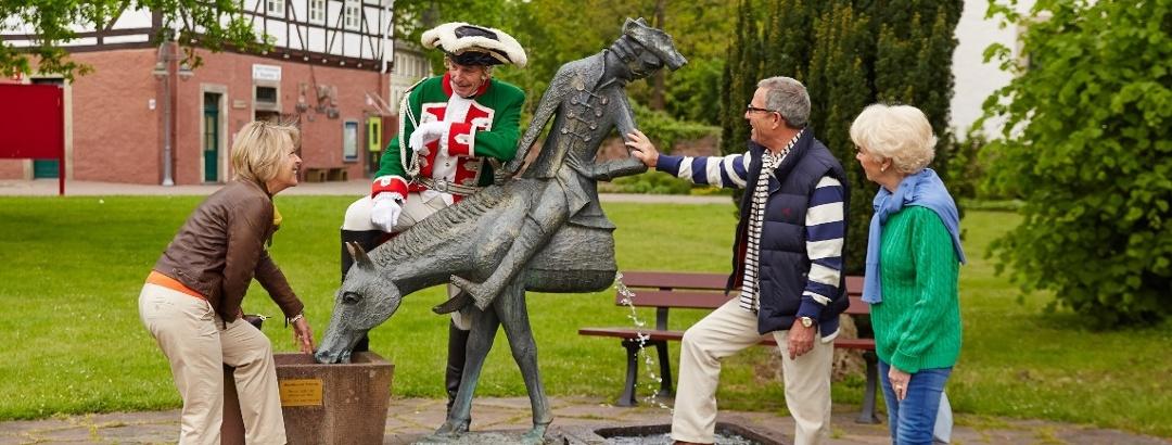 """Brunnen """"Halbes Pferd"""""""