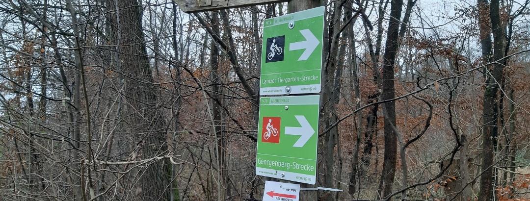 Orientierungstafeln für den Weg rund um den Lainzer Tiergarten