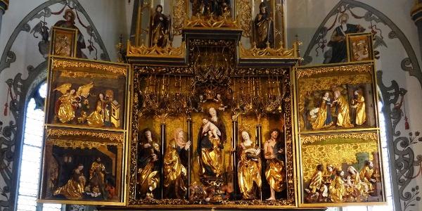 Gotischer Hochaltar der Pfarrkirche Mariä Himmelfahrt