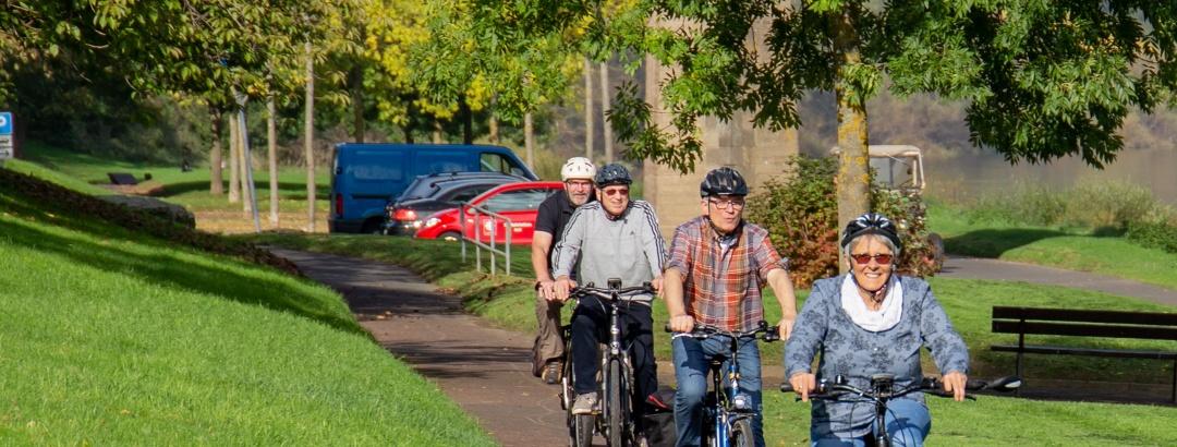 Radfahrergruppe Reil Moselpromenade