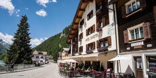 Hotel Suretta im Sommer