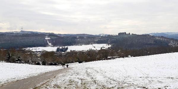 Rückblick nach etwa 500 m auf (im Tal liegend) Kaan-Marienborn
