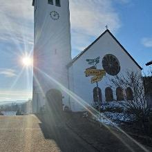 Wow, die Kirche zeigt sich wunderschön in der Wintersonne