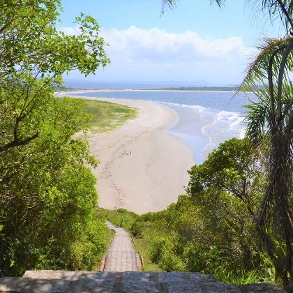 Trilha na Ilha do Mel, Paranaguá, Paraná - Brasil