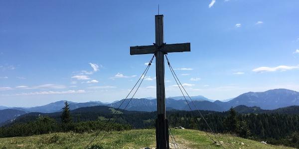 Das Gipfelkreuz am Zinken