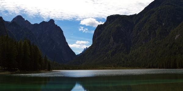 Mit dem Mountainbike am Toblacher See im Höhlensteintal vorbei und dann Richtung Cortina.