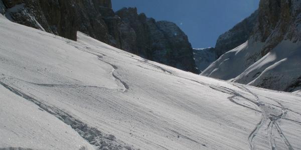 Ski-Freeriden in herrlicher Dolomiten-Umgebung