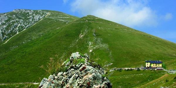 Il Monte Altissimo con il Rifugio Graziani
