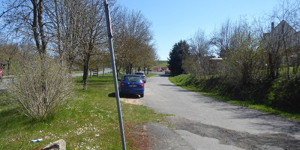 Parkplatz an der Kirchenruine