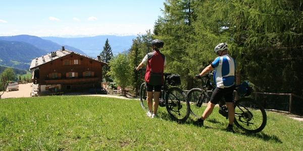 Mit dem E-Bike von Brixen zum Hofer Alpl