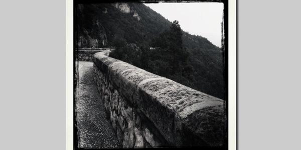 Die Steilwände kurz vor dem Ziel bieten einen herrlichen Ausblick in das Etschtal.