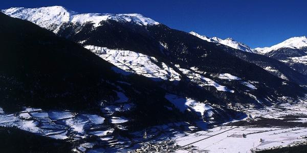 Von Lichtenberg durch den Schnee hinauf zum Glurnser Köpfl.