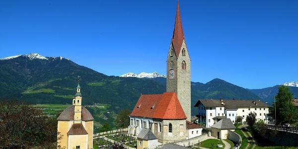 Die Kirche von St. Andrä, dem Startpunkt der Route