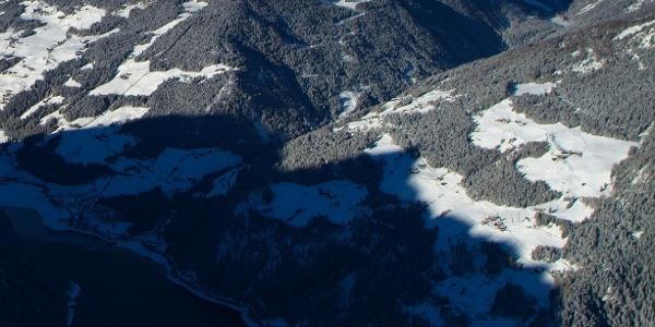 Die Riemerbergl Alm befindet sich am Larcherberg oberhalb des Zoggler Stausees.