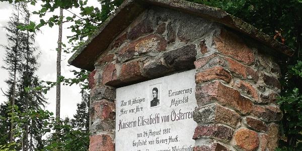 Das Ziel des Panoramaweges: das Denkmal der Kaiserin Elisabeth