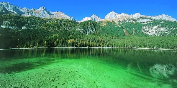 Le acque limpide del Lago Tovel
