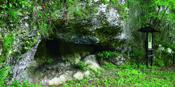 Sano, Grotta del Colombo (età del Bronzo)