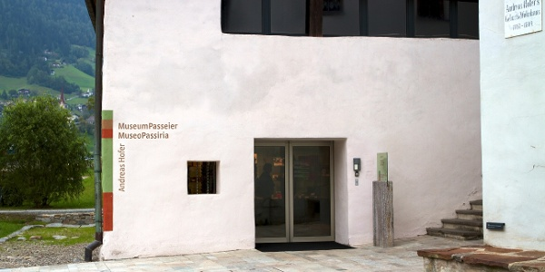 Along the route, the MuseumPasseier with a permanent exhibition of Andreas Hofer