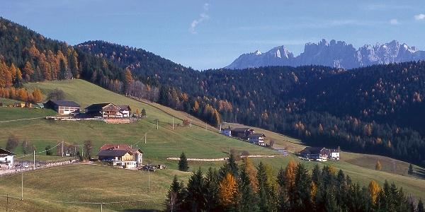 Die Mountainbiketour startet in Obergummer im Rosengarten-Latemar-Gebiet