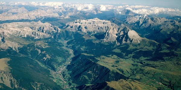 Panoramic views over the Val Gardena and the Alpe di Siusi