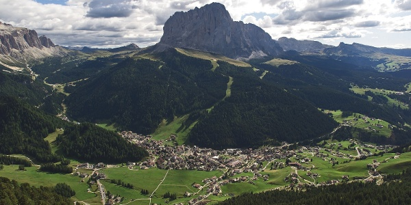 From Selva in Val Gardena valley start a lot of bike tours.