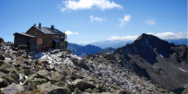 The Europa mountain hut and Wildseespitze, from here starts the first stage of the Europa High-Altitude Trail 2