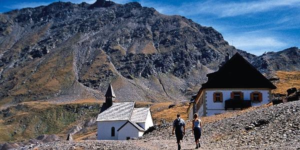 Etappe 8 des Tiroler Höhenweges führt von St. Martin am Schneeberg hinunter zur Timmelsjochstraße.