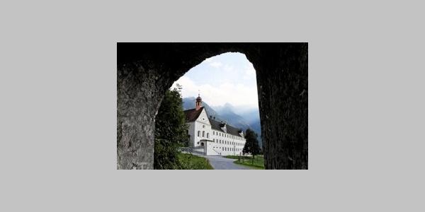 Bludenz, Dominikanerinnenkloster Sankt Peter, Kirche und Wirtschaftsgebäude 1