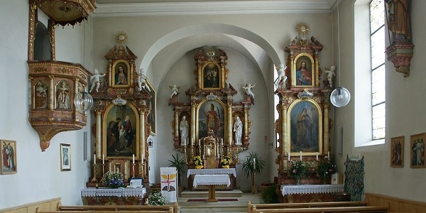 Düns, Katholische Pfarrkirche Heiliger Antonius Abt 1