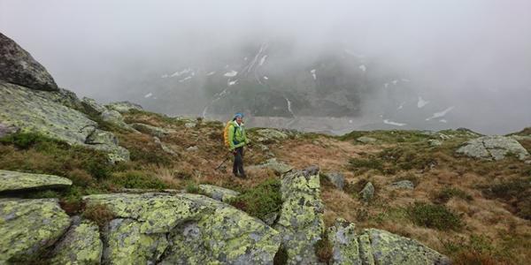 Von der Hütte sehr gut markiert zum ersten Gipfel