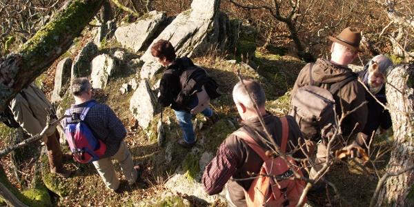 Wanderer am Saurierfels
