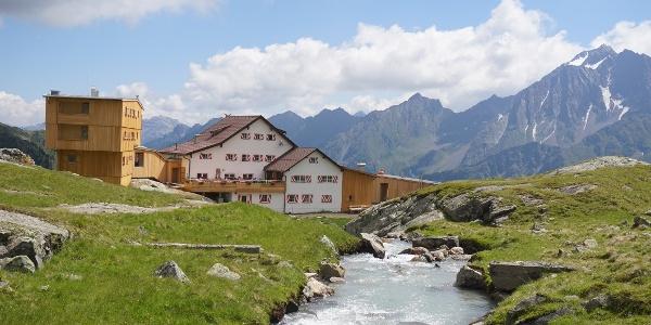 Die Neue Regensburger Hütte in den Stubaier Alpen
