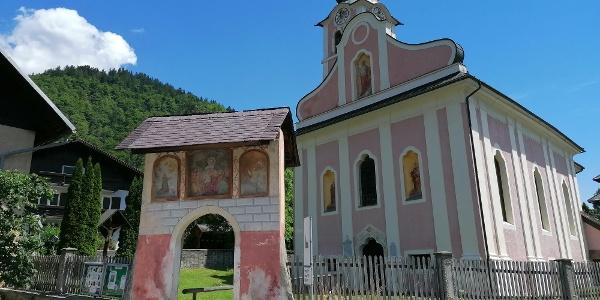Start zur Streckentour bei der kath. Pfarrkirche Hl. Martin in Kirchbach – Südwestansicht