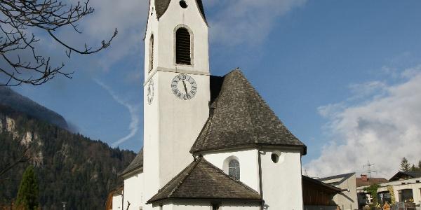Sankt Anton im Montafon, Katholische Pfarrkirche Heiliger Antonius Eremit mit Friedhof