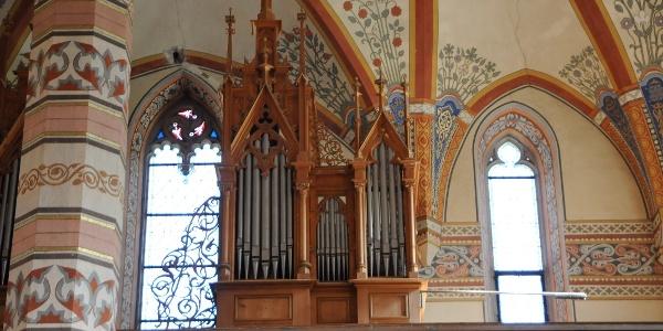 Silbertal, Katholische Pfarrkirche Heilige Josef und Nikolaus mit Friedhof 6